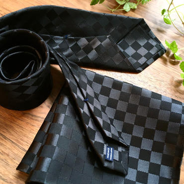 Oguri Original ネクタイ&ポケットチーフ 市松模様 ブラック×グレー