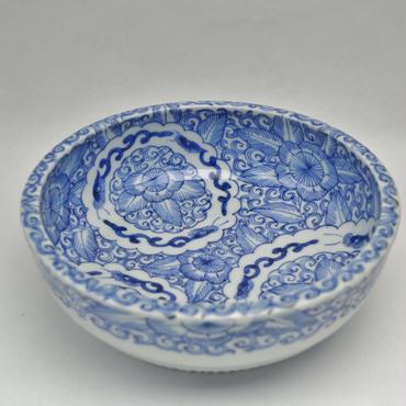 伊万里線描龍花文鉢