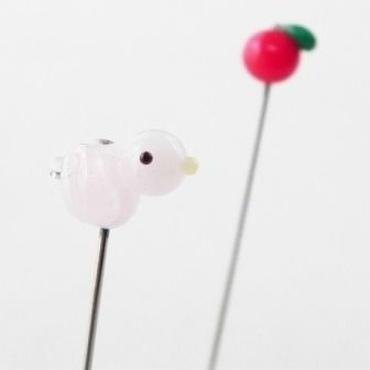 【gemma】まち針2本セット ピンクのとり&りんご L13-1315