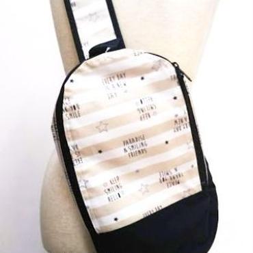 【ああ】ラミネートのBody Bag ベージュ P17-1246
