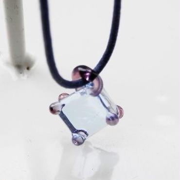 【ガラス工房Lamb】キューブペンダント紫 L4-236