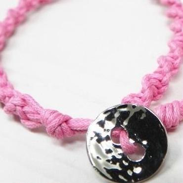 【b☆style】マクラメ編みブレスレット・水晶付 ピンク・シルバー P22-1310