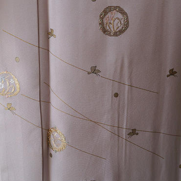 【単衣】灰桜色花と蝶々の附下