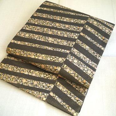 【ふくろ帯】黒×金糸 変わり斜め縞 更紗文
