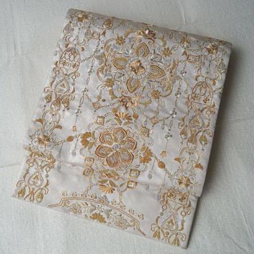 【ふくろ帯】パールホワイトに金糸洋風華文刺繍のふくろ帯