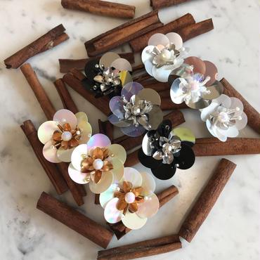 Spangle  Flower Barretta