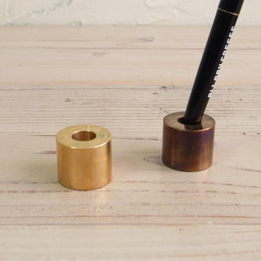 BRASS PEN STAND (RUST)