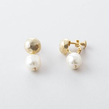 バロックパール×ツチメドームイヤリング /  Baroque pearl × Brass Hammered Dome Earring