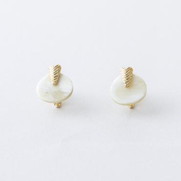 水牛プレートイヤリング/ Buffalo Horn plated Earring