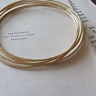 ゴールドレイヤードワイヤーブレスレット