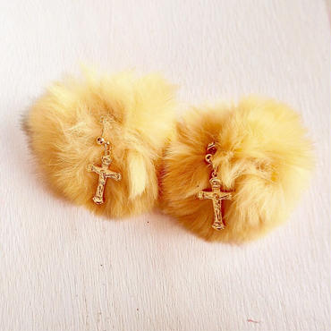 fur pierce-yellow-