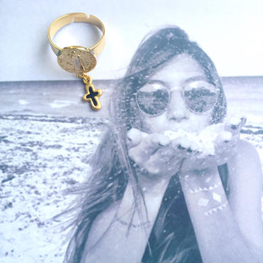 maria×cross necklace