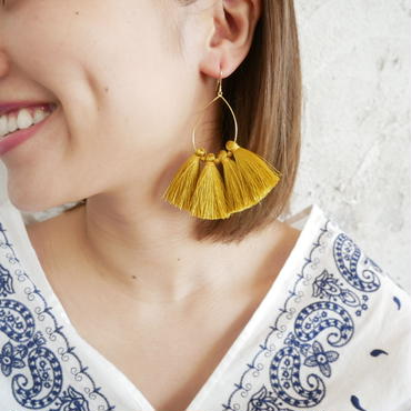 tassel pierce-yellow-