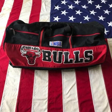 【USED】NBA CHICAGO BULLS duffel bag ブラック×レッド