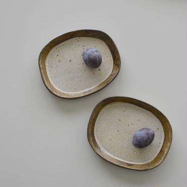 たくまポタリー オーバル皿 粒々皮鯨