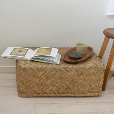 古道具部 なに詰める?味わいある竹行李