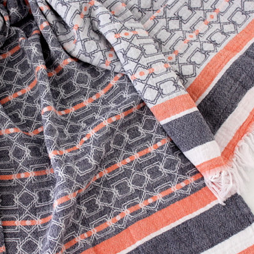 W face Cotton Stole : Geometric White × Navy × Orange