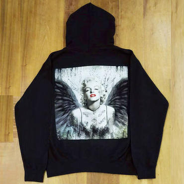 RARETE (ラルテ)  マリリンモンロー 黒い翼 天使  バックプリント パーカー ブラックー 星柄