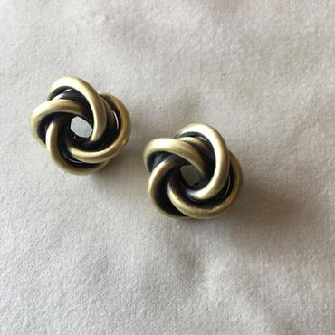 【V I A】Spiral  Pierce/GOLD