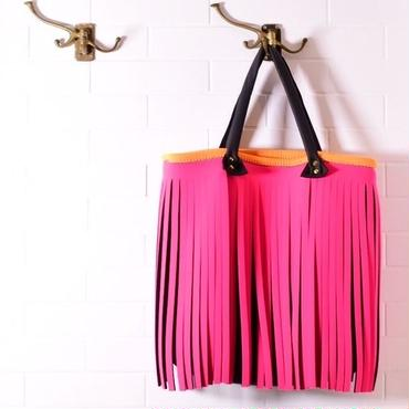 Lozz Sandra/Fringe big totebag/neon pink fringe