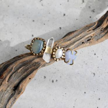「Beryl×Crystal×Fresh water pearl×Blue lace agate」Gemstones bangle