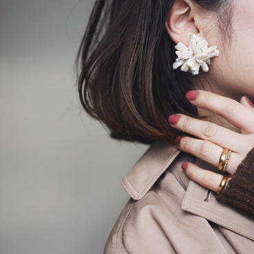 Pearl bloom earrings