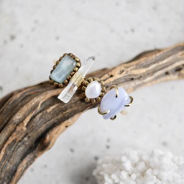 「Beryl×Crystal×Fresh water pearl×Blue lace agate」Gemstones bangle