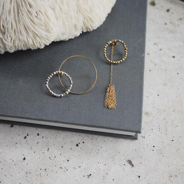Circle dot tassel earrings