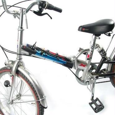 自転車に付けられる空気入れ
