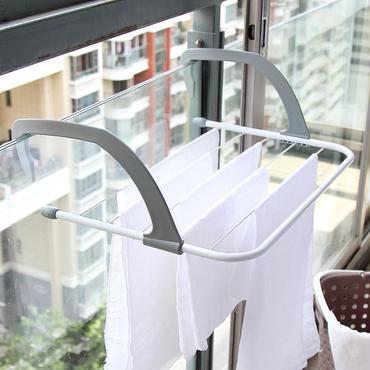コンパクトに折り畳める洗濯ハンガー