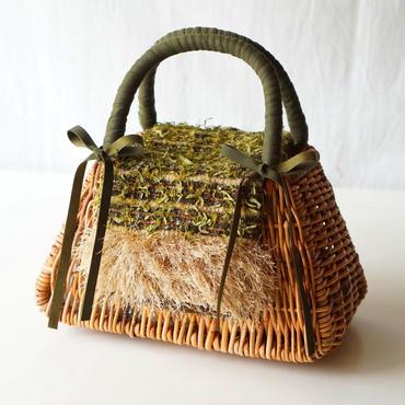 オリジナルの手織り生地でカバーリング。リメイクかごバッグ(カーキ)