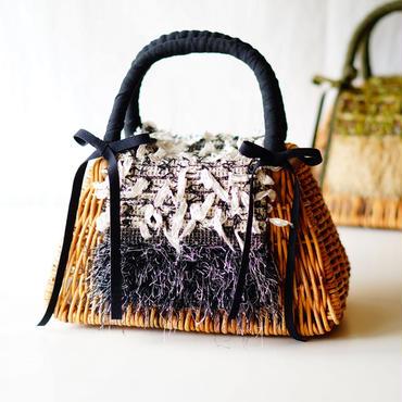 オリジナルの手織り生地でカバーリング。リメイクかごバッグ(モノトーン)