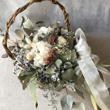 花かごのブーケとブートニアとヘアパーツのセット ¥16,200送料無料