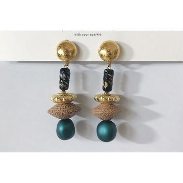 ● beads___assembly 23  pierced earrings