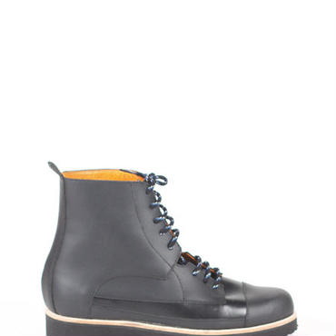 Deux Souliers (MEN) - Oxford Boot #1 All Black レースアップ・ショートブーツ (ブラック)【スペイン】【靴】【シューズ】【インポート】【VOGUE】