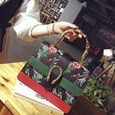 [バッグ]♪ハイクオリティ 花柄刺繍 トートバッグ(4color)♪