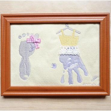 刺繍手形アート(ドレス)