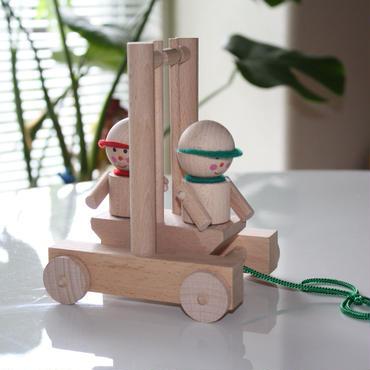 MIK  木製スイングカー