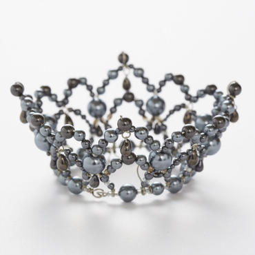 Gray Pearl Crown