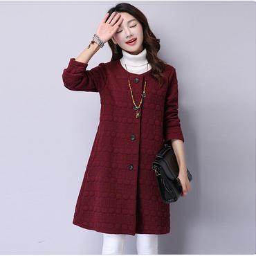 オススメ春コーデ 刺繍編みフィリング スプリングジャケット ノーカラー ワインレッド
