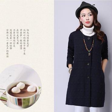 オススメ春コーデ 刺繍編みフィリング スプリングジャケット ノーカラー 紺