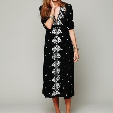 586d75cf4c5e4 ワンピース 花柄 刺繍 リゾートワンピ ロング マキシ 黒色 和柄 和風 五分袖 ドレス