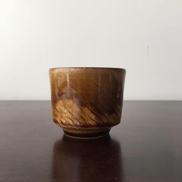八重山陶磁 アメ釉ぐい呑み(陶器)/宮良断(アンパル陶房)