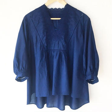 indigo-dyed v-neck blouse / 03-8108004