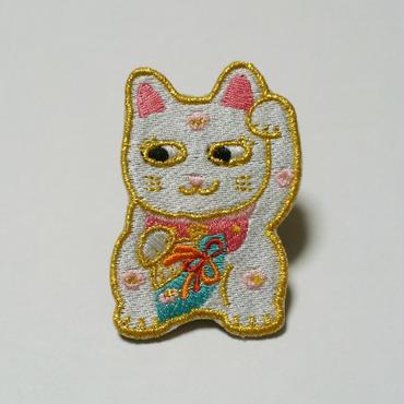 刺繍ブローチ「招き猫」ピンク