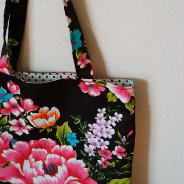 台湾花布のマチなしバッグ(ブラック・牡丹)