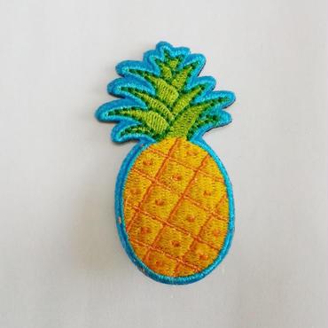 刺繍ブローチ「パイナップル」