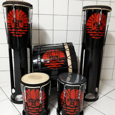 TAHITI ORA ショー使用楽器 (タリパラウ)