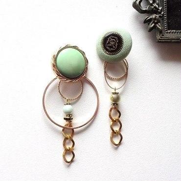 vintageミントグリーンボタンアシメピアス/イヤリング