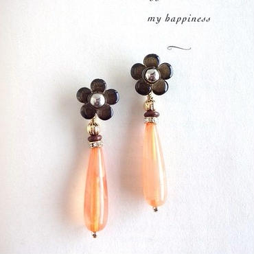 Vintageフラワーボタンオレンジドロップピアス/イヤリング